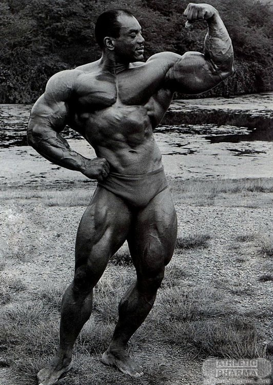 Серхио Олива (Мистер Вселенная 1967)